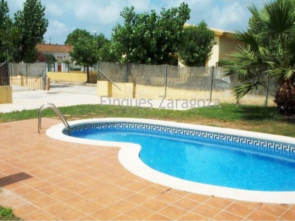 detached villa by the beach of riumar with private pool
