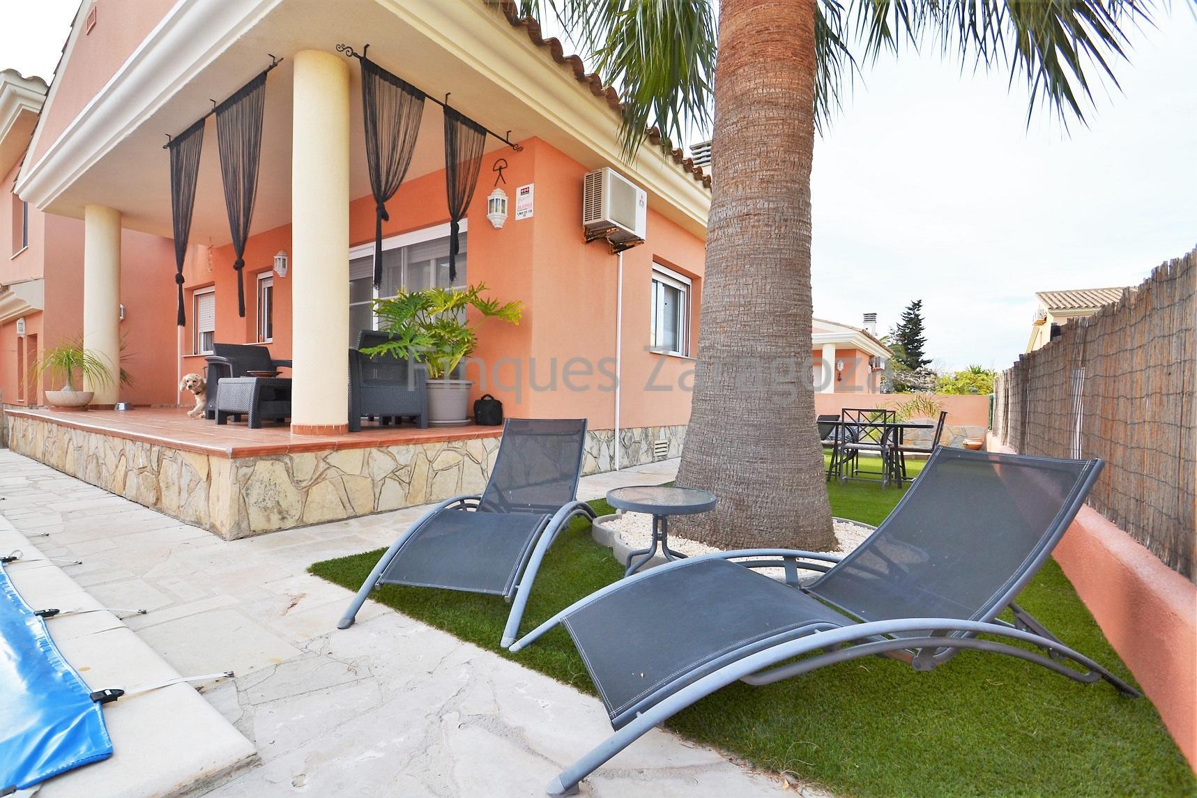 Maison Moderne Et Confortable Avec Piscine Privee A Riumar