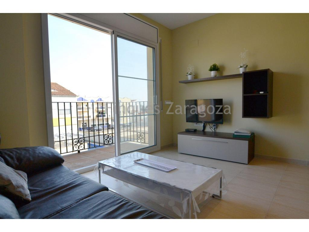 Flat in perfect condition in the town of Sant Jaume d'Enveja (Ebro Delta). The property is on the first floor and has a living area of 46m². Comprising of kitchen with living/dining room with balcony, 2 bedrooms, 1 bathroom with shower.It is equipped with air-conditioning in the living-dining room, aluminium double glazed windows, vitro hob, oven and electric boiler. In addition, the flat has an optional parking space, communal swimming pool and lift.